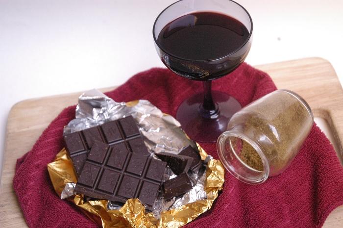 Продукты, богатые антиоксидантами - шоколад и вино