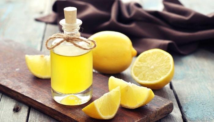Как убрать неприятный запах изо рта с лимонным полосканием