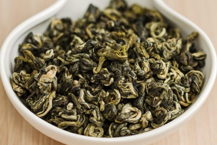 Китайский зеленый чай Билочунь на фото